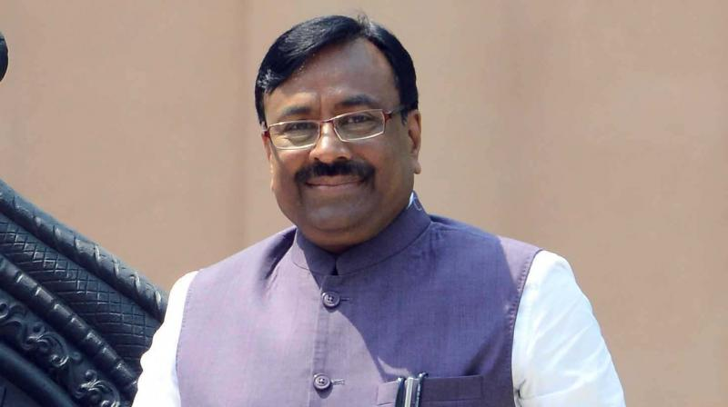 Congress leader Vijay Wadettiwar on Friday alleged that sums of