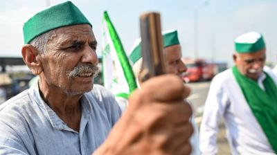 Bharat Bandh: Farmers block highways, rail tracks; Traffic hit on Delhi borders