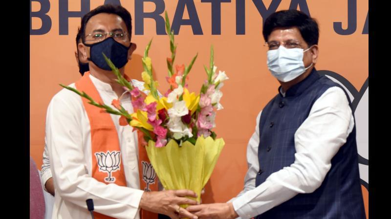 Congress leader Jitin Prasada joins BJP in the presence of Union Minister Piyush Goel at BJP Headquarters in New Delhi on Wednesday. Photo: DC Image/D. Kamraj)