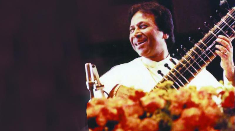 Ustad Shahid Parvez at a performance. (Photo: Shobha Deepak Singh)