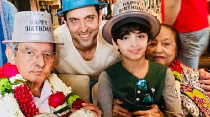 Hrithik Roshan with his grandparents and son.