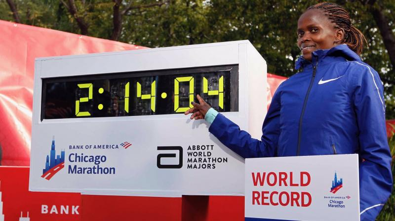 Unlike Eliud Kipchoge's performance, though, Brigid Kosgei's mark was set in an official race on a record-eligible course. (Photo: Twitter/ Chicago Marathon)