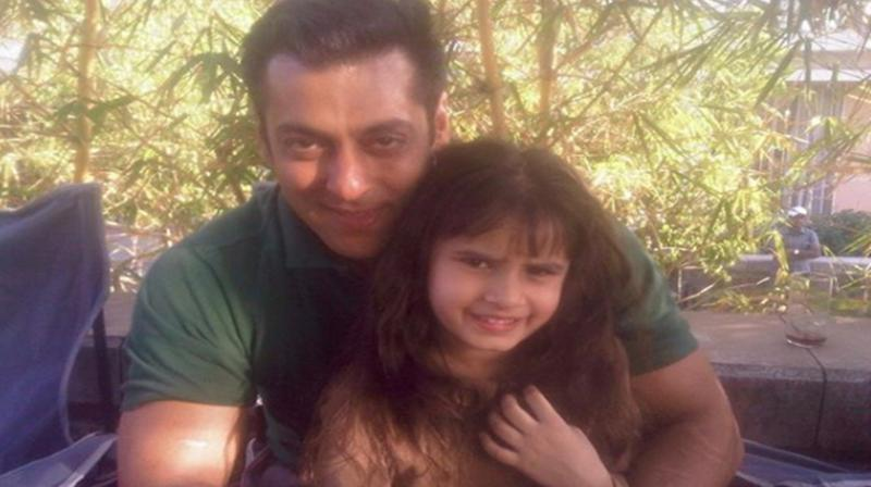 Raveena Tandon shares cute pic of Salman Khan with her daughter Rasha; see