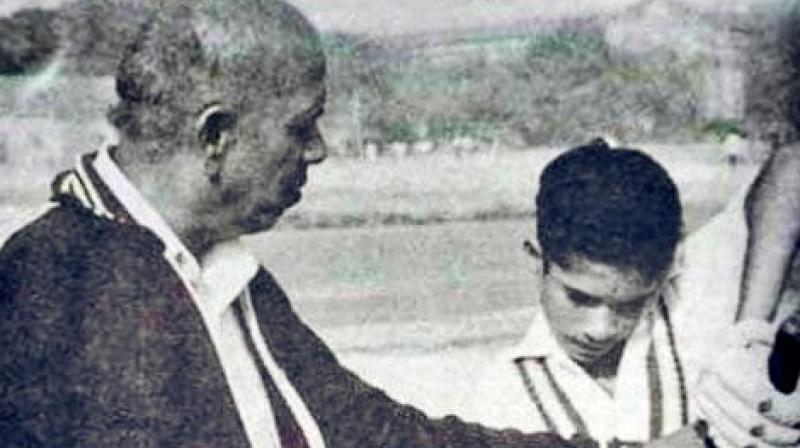 Upon Achrekar's death, Tendulkar had said that his childhood coach had built the foundation of the master blaster's cricketing career. (Photo: Twitter/Sachin Tendulkar)