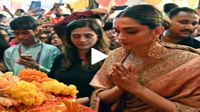 Deepika Padukone at Lalbaugcha Raja. (Photo: Instagram/Viral Bhayani)