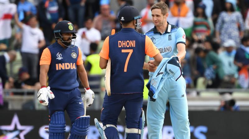 Despite the criticism, Kohli was steadfast in his defence of Dhoni and said the wicket got slower towards the end of the game which made big shots quite difficult. (Photo:AFP)