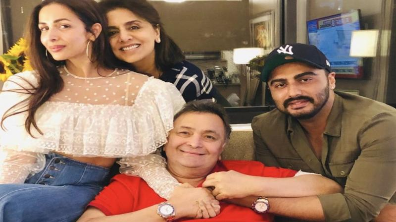 Malaika Arora, Arjun Kapoor spend time with Rishi Kapoor and Neetu Singh in NYC. (Photo: Twitter)