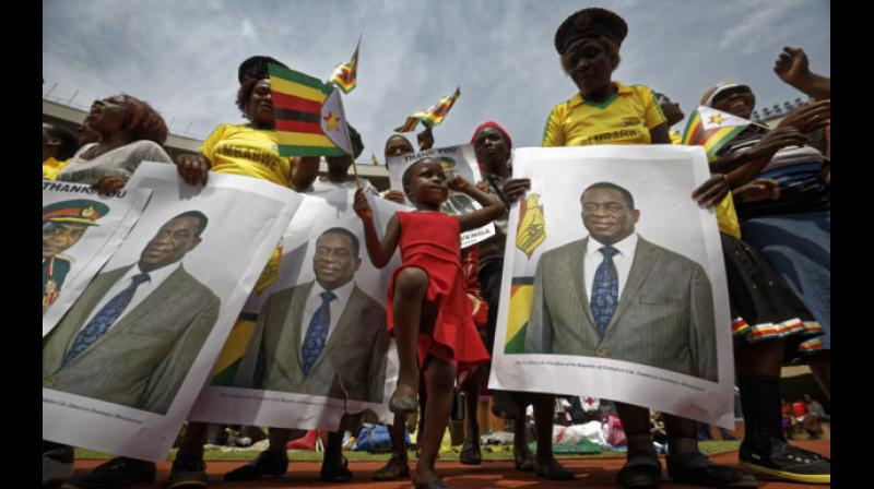 Mnangagwa inherits a southern African nation that once was prosperous but now struggles amid a severe cash shortage and high unemployment. (Photo: AP)