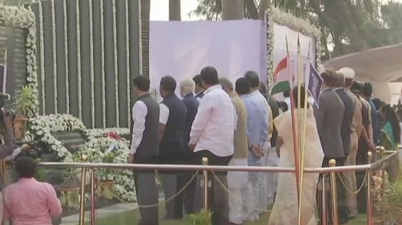 Maharashtra Chief Minister Devendra Fadnavis was among the dignitaries who paid homage at the 26/11 police memorial site at the Mumbai Police Gymkhana in south Mumbai. (Photo: ANI | Twitter)