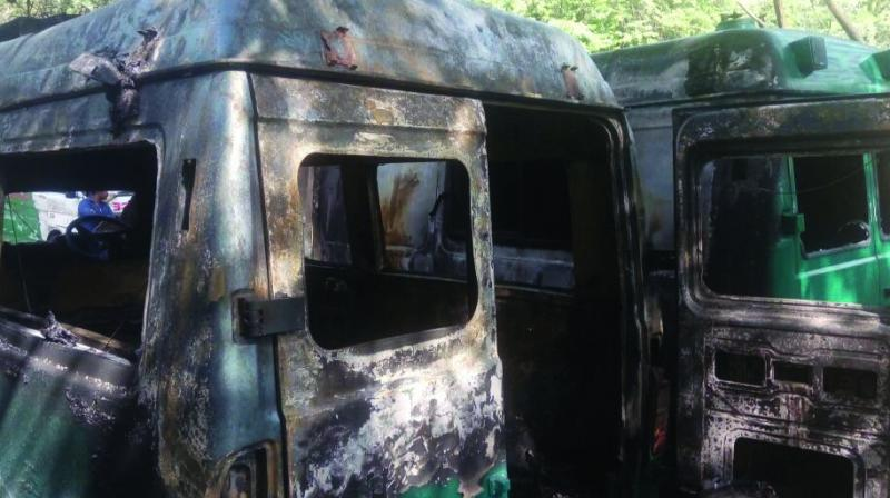 Police said the deceased, identified as Rahul (24) and Bablu (24), were sleeping at the back of the ambulance while Subodh (26) was sleeping in the driver's seat.
