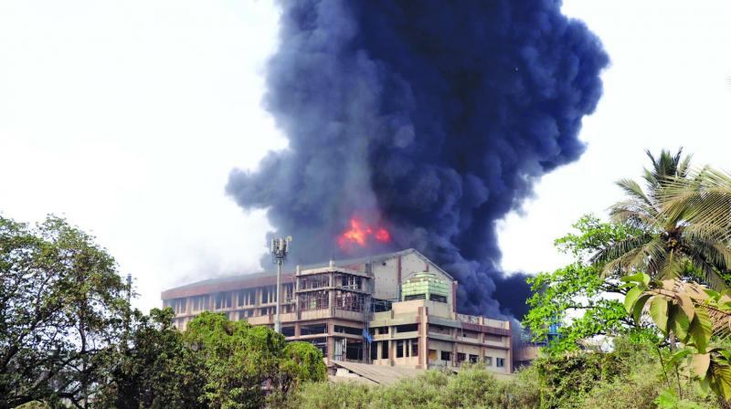 A  fire broke out at a chemical company in the Maharashtra Industrial Development Corporation (MIDC) area of Dombivali Tuesday. (Photo: ASIAN AGE)