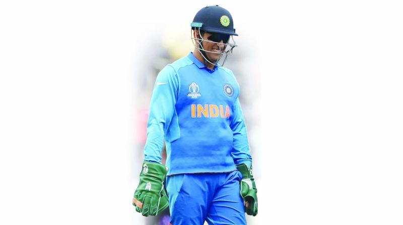 The 'Dhoni Gloves' issue would have been a storm in a teacup, had it not been hijacked by self-seeking politicians and an ignorant, hyperventilating media in India, compounded by an incompetent BCCI-COA.