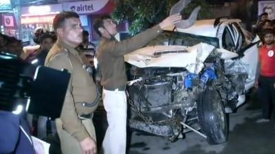 16 Yr Old Dead 8 Injured As Suv Rams Multiple Vehicles In Delhi