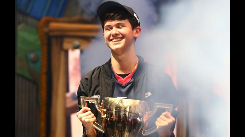 Giersdorf, 16, from Pennsylvania, was one of at least 100 players competing for USD 30 million in total prize money, as the booming popularity of video and online games has drawn top-dollar investments and fueled the emerging professional sport. (Photo: AFP)