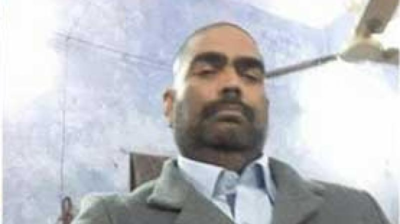 RJD MP Mohammad Shahabuddin's selfie. (Photo: Twitter)