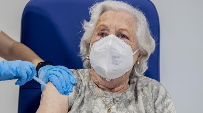 The rate of infection was five times higher, at 3.3 per cent, among those who returned a positive test during the second wave having previously tested negative. (AP/Manu Fernandez)