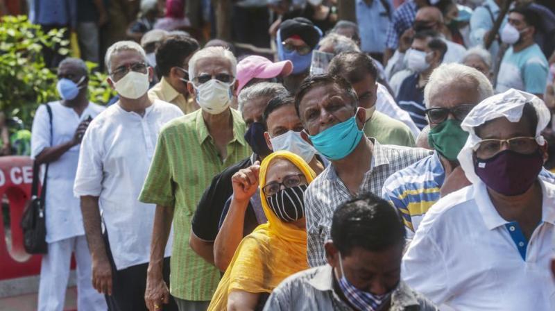 People queue up for coronavirus vaccine in Mumbai. (Photo: AP)