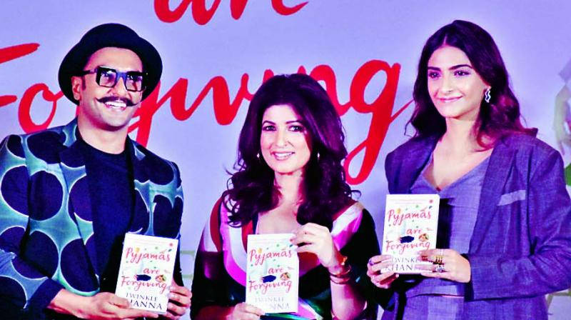 Ranveer Singh and Sonam Kapoor with Twinkle Khanna at the book launch