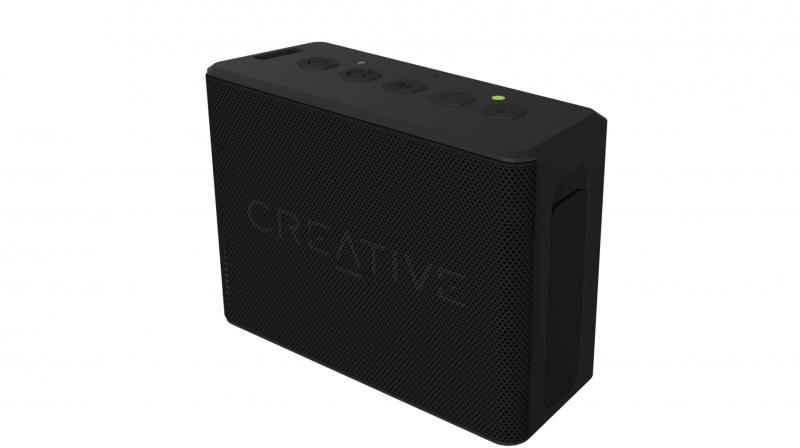 The highlight feature of Muvo 2C is its ability to connect two of these speakers wirelessly