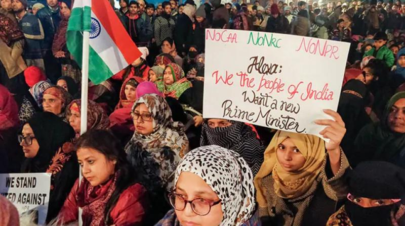 As the clock struck 12, the protesting crowd burst into a cheer to greet the fellow protesters the new year, and moments later broke into the national anthem in unison which was followed by the slogan 'Inquilab Zindabad'. (Photo: PTI)