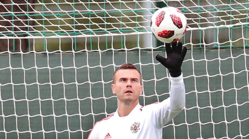Russia's goalkeeper Igor Akinfeev at a training session. (Photo:  AP)