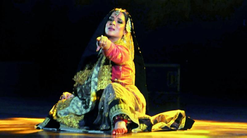 Manjari Chaturvedi during her performance