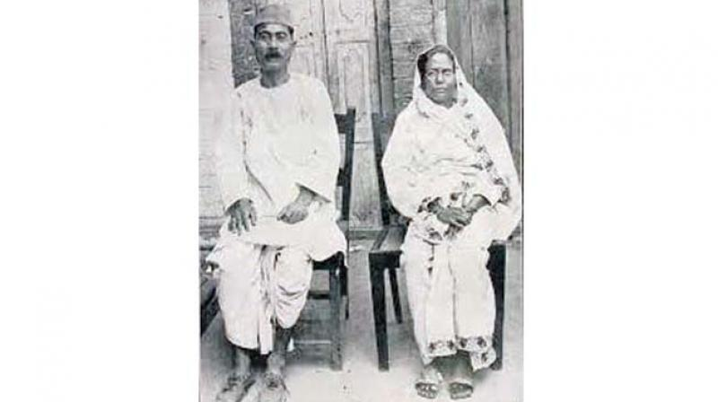 The original picture of Premchand and his wife