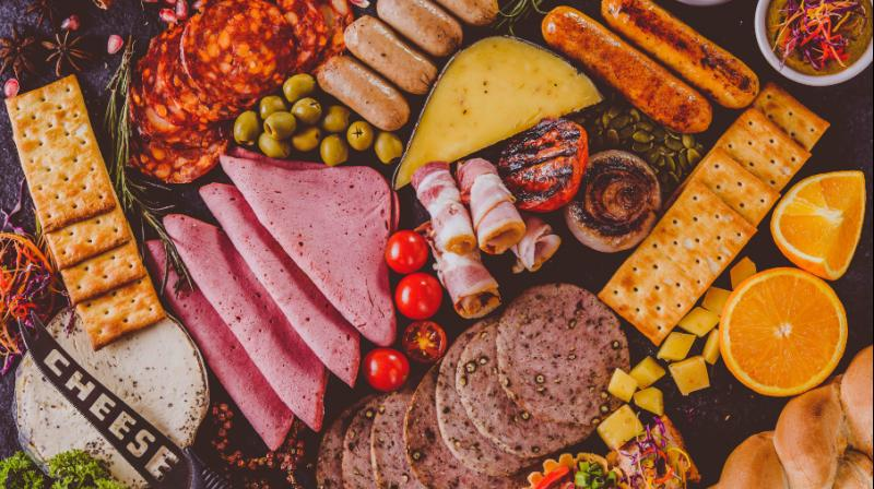 A great start of cold cuts to appease the hungry tummy in the morning that allows the energy for the rest of the day with hardly any fear of putting on weight is a fair and must-try option.