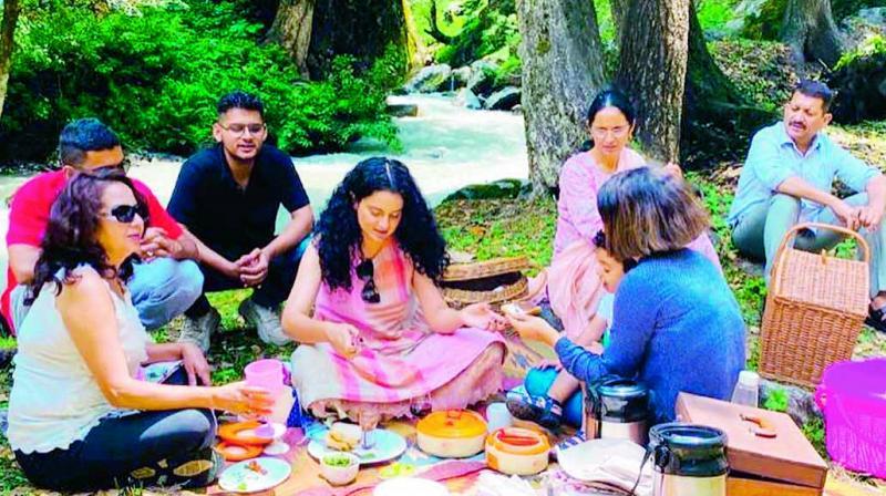 Kangana Ranaut with her family