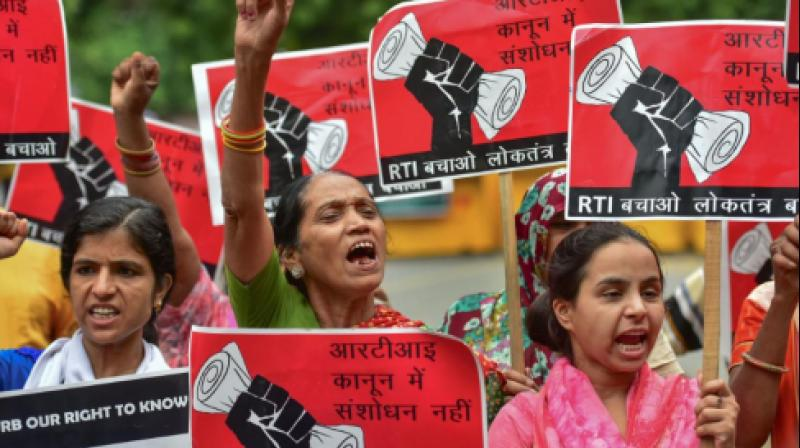Protestors raise slogans against the amendments to the Right to Information Act, in New Delhi in 2019.(PTI File)