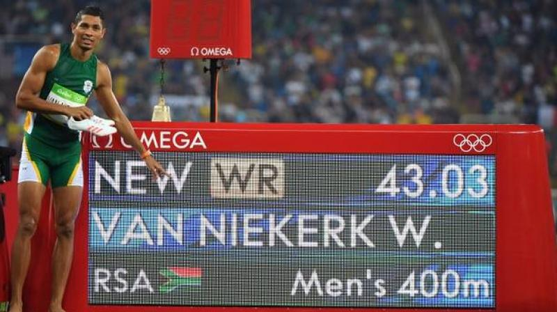 Wayde Van Niekerk clocked 43.03 seconds to break the previous world record (43.18) set by Michael Johnson during 1999 World Championships. (Photo: AFP)