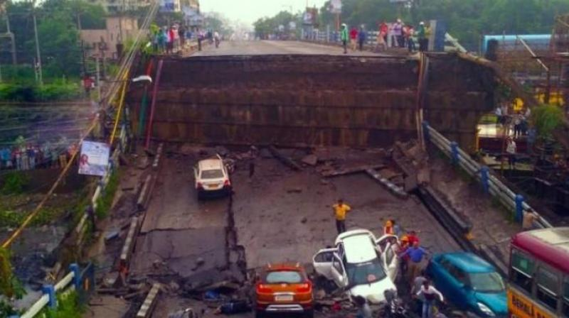 Sources in the railway ministry said soon after the collapse of the Gokhale Bridge in Mumbai in July, an inspection of a section of the Majerhat Bridge above the Sealdah-Budge Budge line was conducted which revealed these deficiencies.