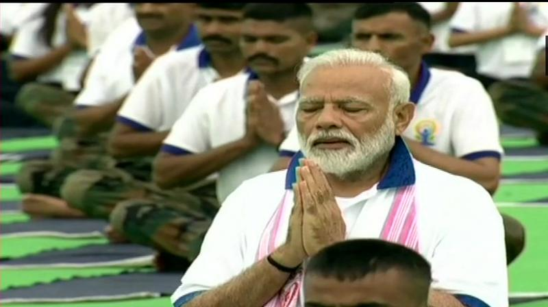 Prime Minister Narendra Modi performs yoga at Prabhat Tara ground in Ranchi on 5th International Day. (Photo: Twitter/ ANI)