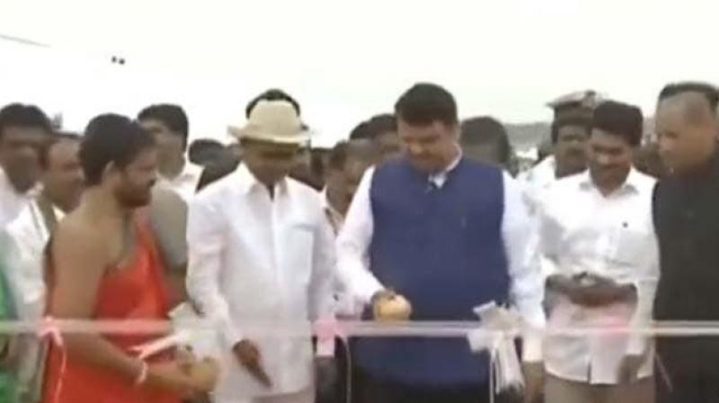 E S L Narasimhan, Devendra Fadnavis and Jagan Mohan Reddy were present at the inaugural ceremony. (Photo: Twitter/ screengrab)