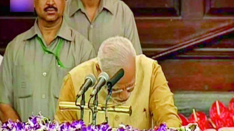 Narendra Modi cried during BJP parliamentary party meet