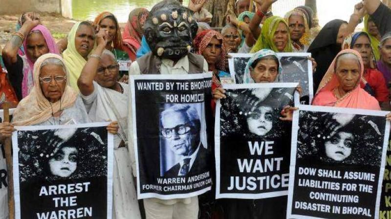 A toxic gas leaked from a pesticide factory of Union Carbide in Bhopal on the night of December 2-3, 1984 killed about 3,000 people immediately. (Photo: File | PTI)