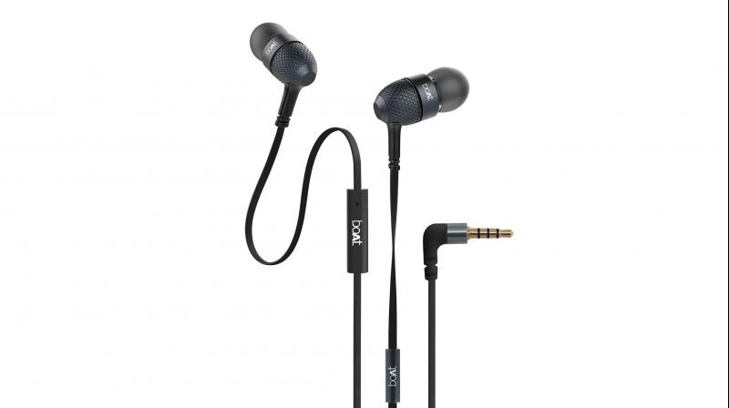 Pocket-friendly in-ear headphones with an in-line mic.