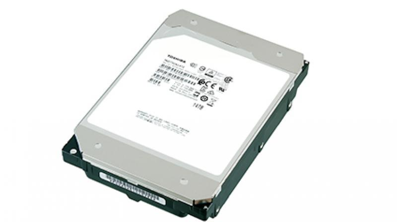 The 9-disk Helium-sealed design utilizes Toshiba's laser welding process, and a special top-cover design seals helium inside the drive offering high capacity and low power profile to the product.