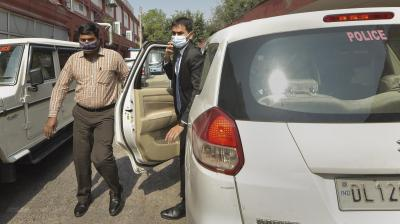 Sameer Wankhede's sister files police complaint against minister Nawab Malik