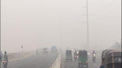 Delhi: Air quality continues to remain 'very poor' despite rain