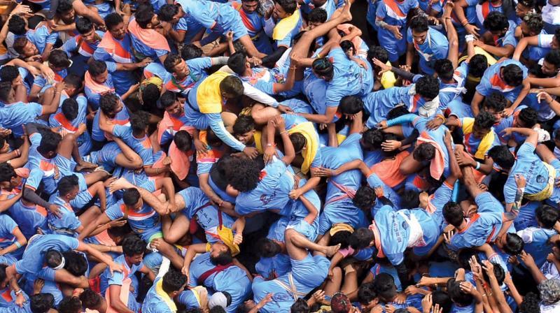 Dahi handi festival celebration in Dadar. (Photo: Debasish Dey)