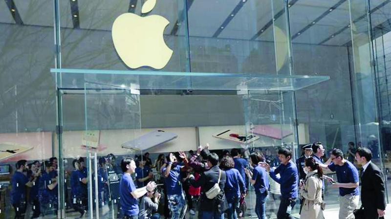 The blocking of Apple mobile entertainment services in China poses fresh challenges for the tech company. (Photo: AP)