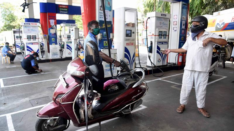 Diesel price on Sunday hit a fresh record high after rates were hiked by 60 paise per litre while petrol price was up 35 paise. (PTI Phoṭo)