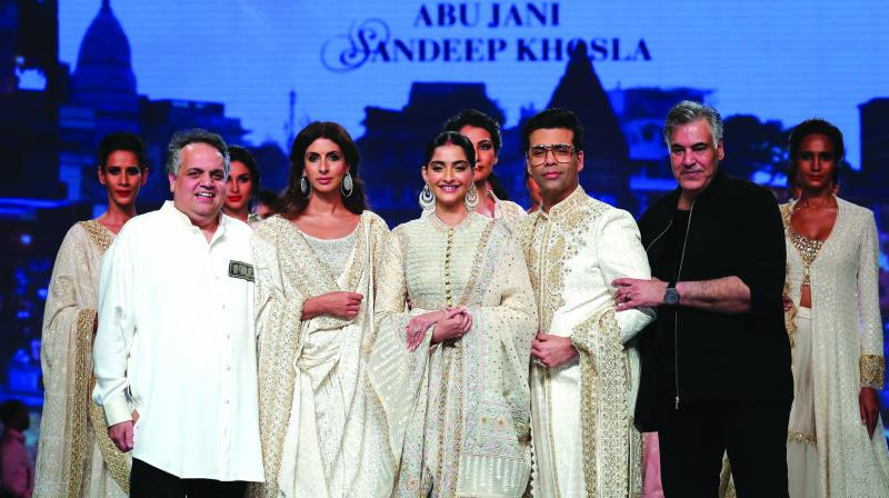 Sandeep Khosla, Shweta Bachchan Nanda, Sonam Kapoor Ahuja, Karan Johar & Abu Jani.