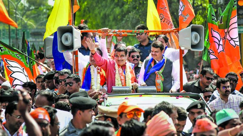 Nitin Gadkari arrives to file his nomination for Nagpur constituency. (Photo: PTI)