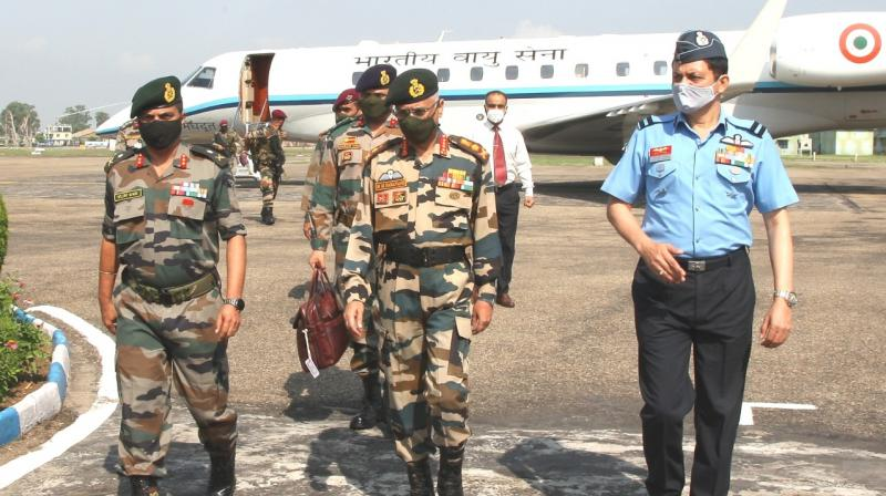 Indian Army Chief MM Naravane visits forward aeras in international border with Pakistan in Jammu and Kashmir. — DC photo