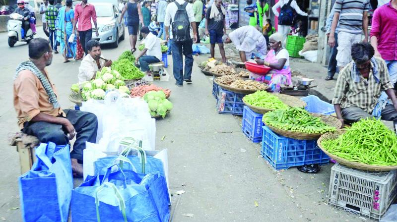 Vendors at the Dadar and Mulund civic markets fear that prices will continue to increase in the coming days due to the rising fuel prices every day since last week.