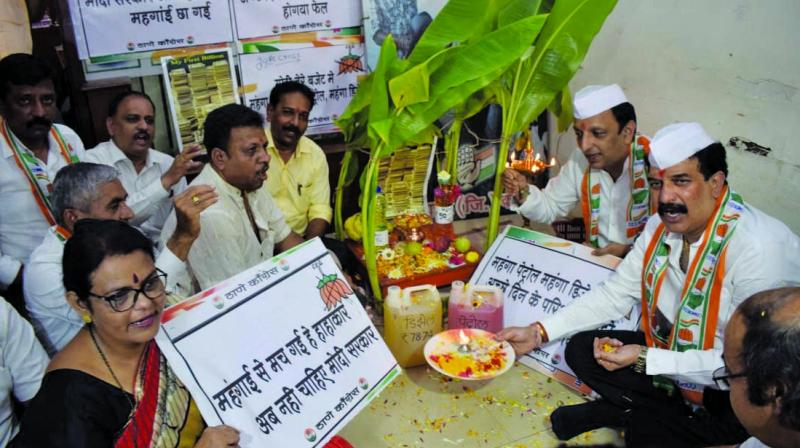 Nationalist Congress Party Mumbai chief Sachin Ahir, too, staged a protest in Mumbai.