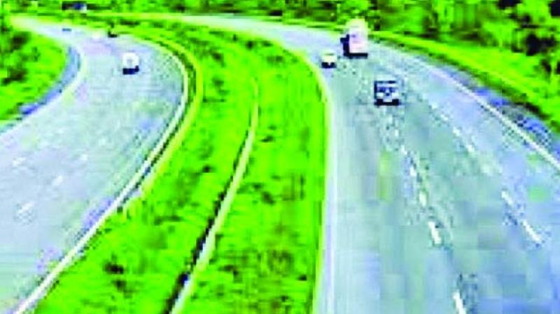 Yet another project – the Missing Link project – appears to be uncaring of the environment, with the Maharashtra State Road Development Corporation (MSRDC) having got permission to axe 5,300 trees spread over 83 hectares of dense jungle along the Mumbai-Pune Expressway.