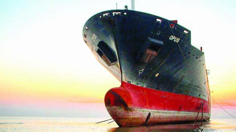 A thousand ships descend upon a stretch of beach no longer than 5 km.